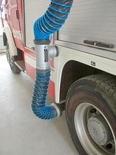 Feuerwehr Mitfahranlage Laufschiene - Anbringung am Fahrzeug